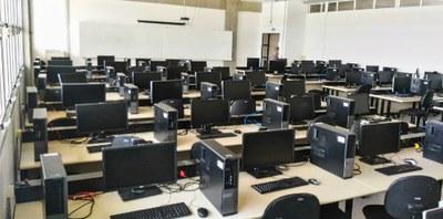 AT2 - Lab. Informática